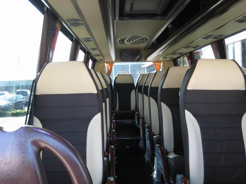 Véhicule Bus 25 places confortable