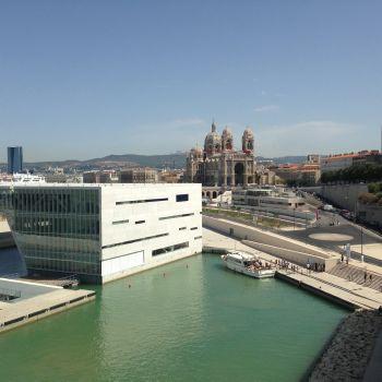 Cohabitation entre le nouveau et le vieux Marseille