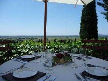 Prenez un repas gastronomique dans un cadre de rêve en vignoble de Provence