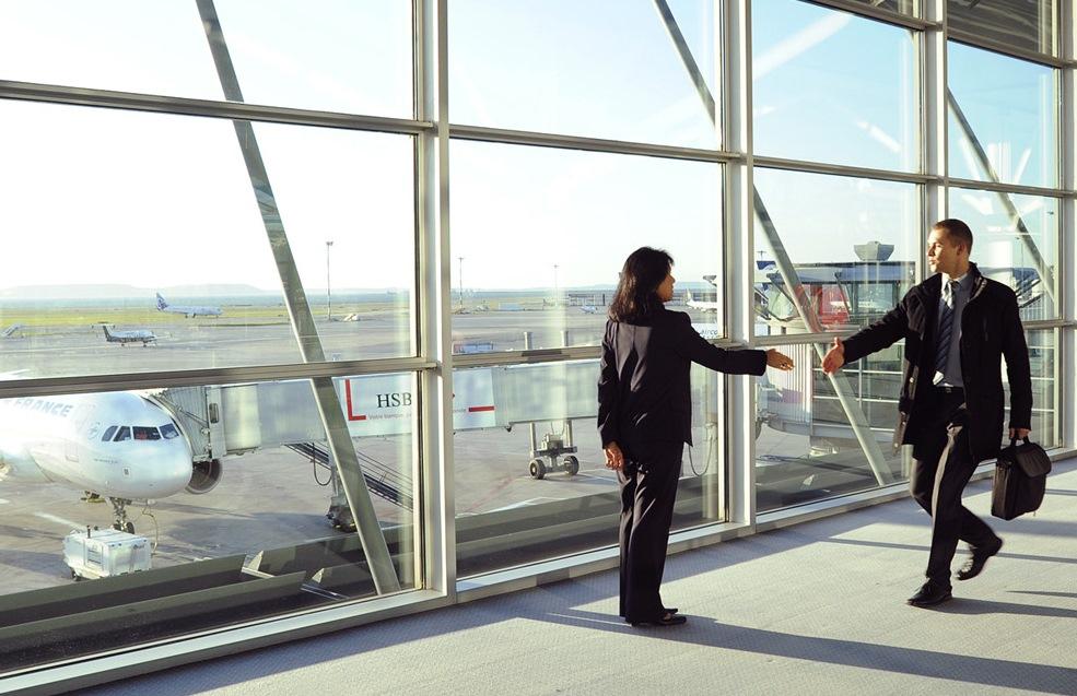 Accueil à l'Aéroport, Accueil à la Gare