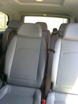 Nos minivans 8 places passagers avec grand espace bagages